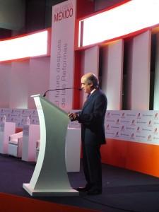 Dr Luis Tellez presenta a Jose Angel Gurria