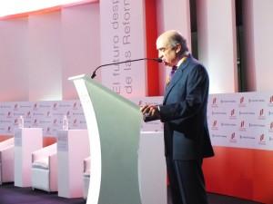Dr. Luis Tellez presenta a Jose Angel Gurria